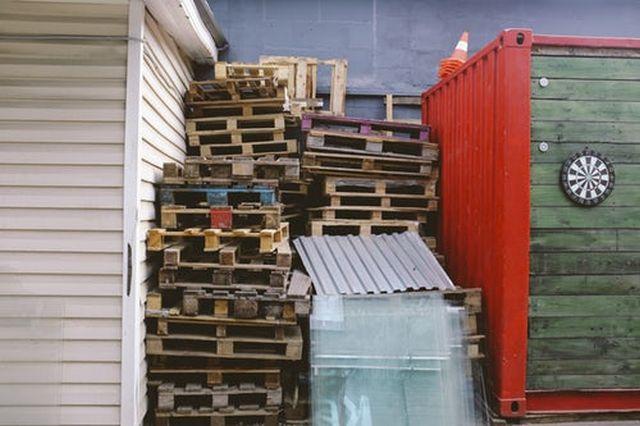 pallet-di-legno-per-laboratorio-falegnameria-spazio-eco